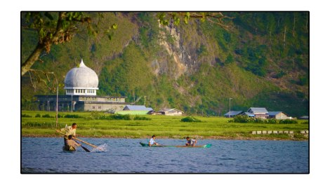 26 - Takengon-lake-boat---Indonesia